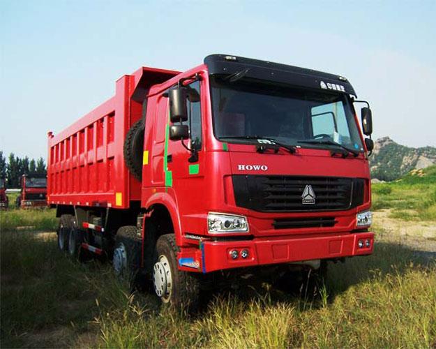 Howard 8 x4 dump truck